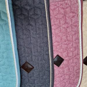 tapis de selle wool jumping