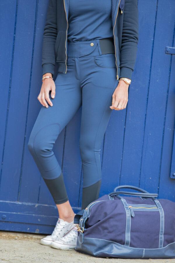 A Tiss B - femme - pantalon romy - pantalon bleu - bouton à pression - sac - porte bleu