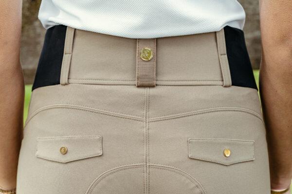 A Tiss B - pantalon romy - pantalon beige - femme - boutons dorés - photo de dos